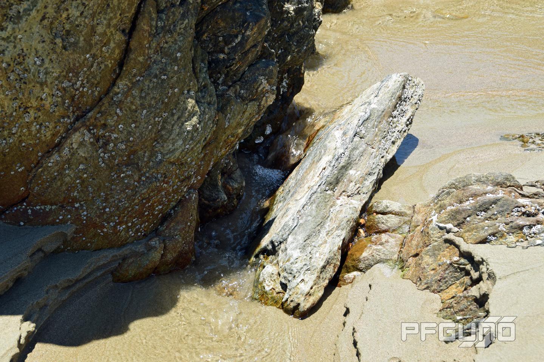 Water Between The Rocks [SHOT 1]