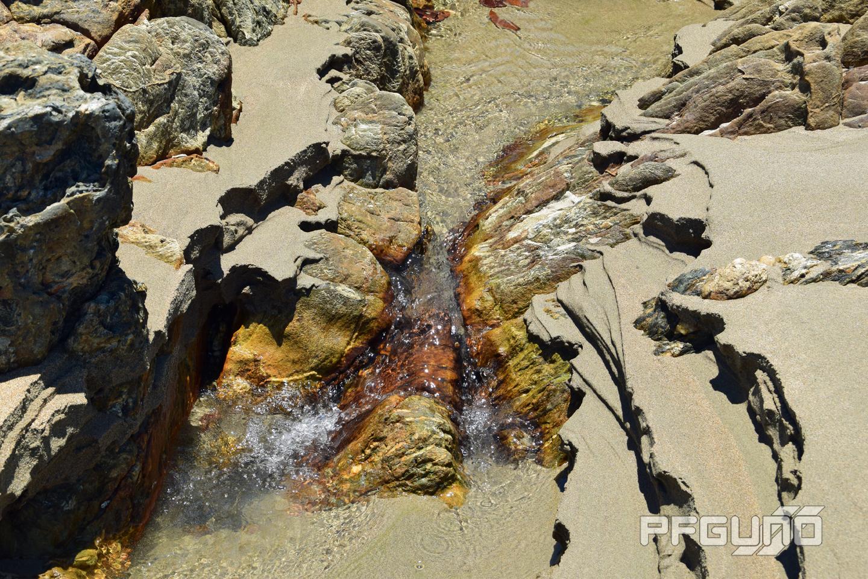 Water Between The Rocks [SHOT 2]
